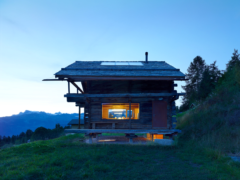 dont judge a book by its cover or how s.fabrizzi architects renovated a cottage in the mountains 7 Dont Judge a Book By its Cover Or How S.Fabrizzi Architects Renovated a Cottage In The Mountains