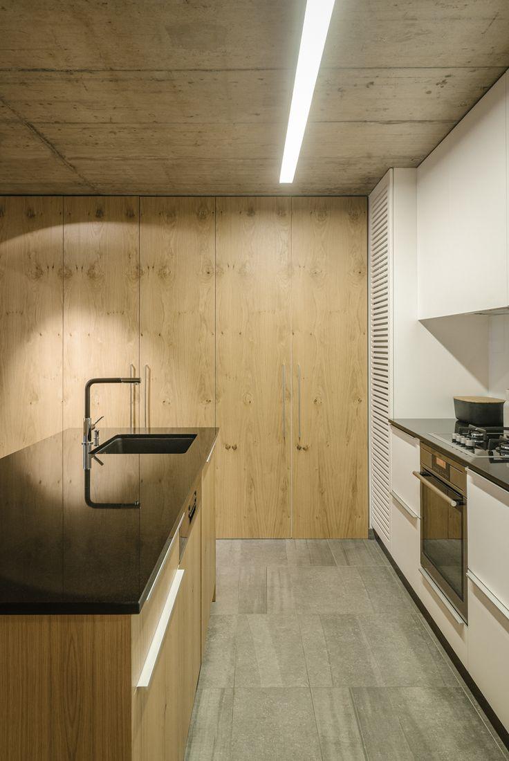 f77532de5c12f48f9f5e307cedd75074 Modern Loft With Wooden Details