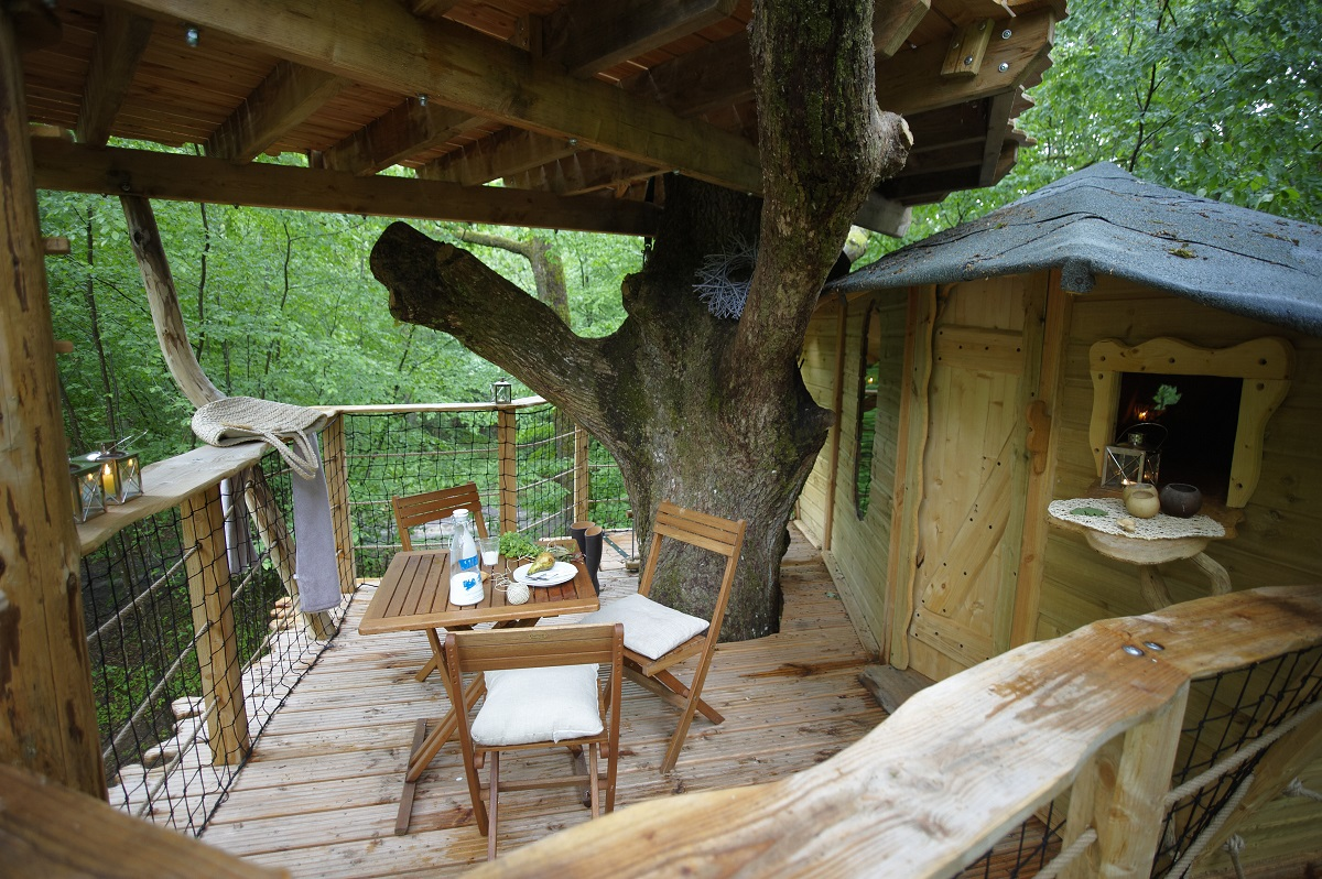 les cabanes du bois landry france 2 10 Most Amazing Treehouse Hotels From Which You Would Never Wish To Check Out