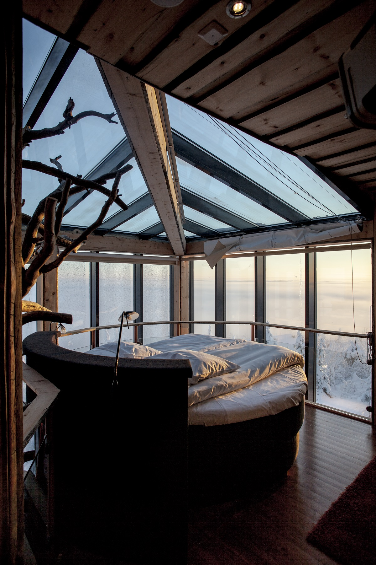 the eagles view suite finland 10 Most Amazing Treehouse Hotels From Which You Would Never Wish To Check Out