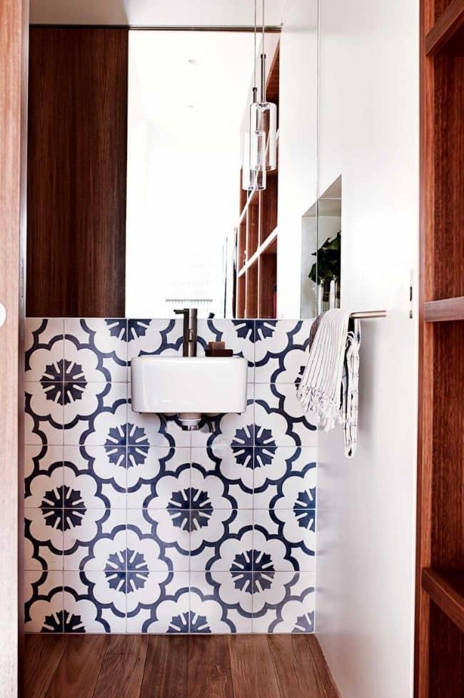 dec benn home bathroom hand painted tiles floorboards 20150211144740q75dx800y u1r1g0 Warm and Lively Australian Home
