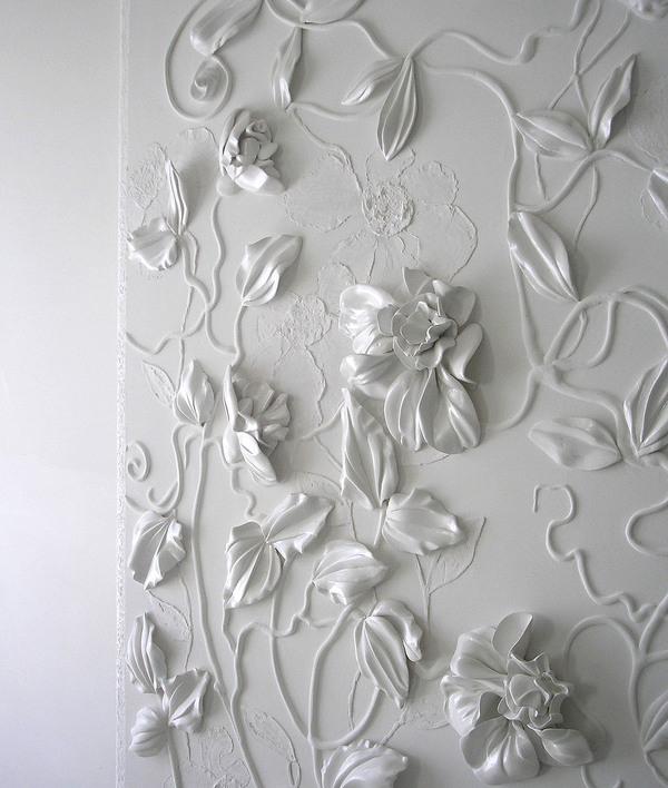 2d13689e2b7d941e0661052dc4c6f9ff 50+ Floral Wallpaper and Mural Ideas