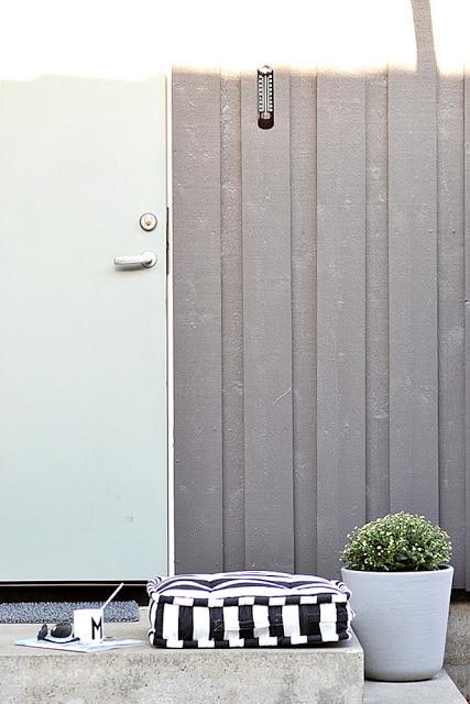 blomster krysantemum 2 Black and White Deck Design
