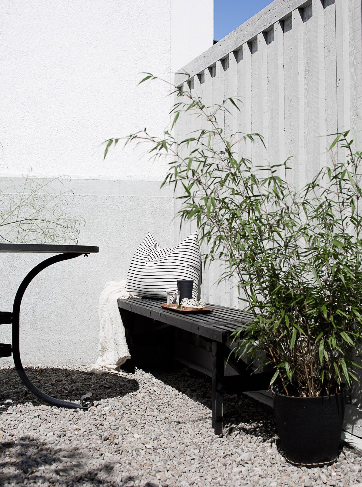 dw morgonsol 2 av 1 Black and White Deck Design