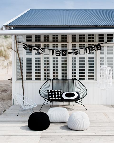 jeroen van der spek amsterdam mgl0271 Black and White Deck Design