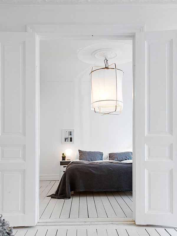 white bedroom floor How to Decorate your Bedroom like an Interior Designer