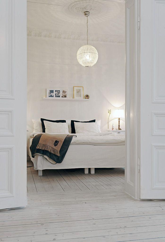 beautiful white bedroom 699x1024 Amazing Modern Bedroom Ideas
