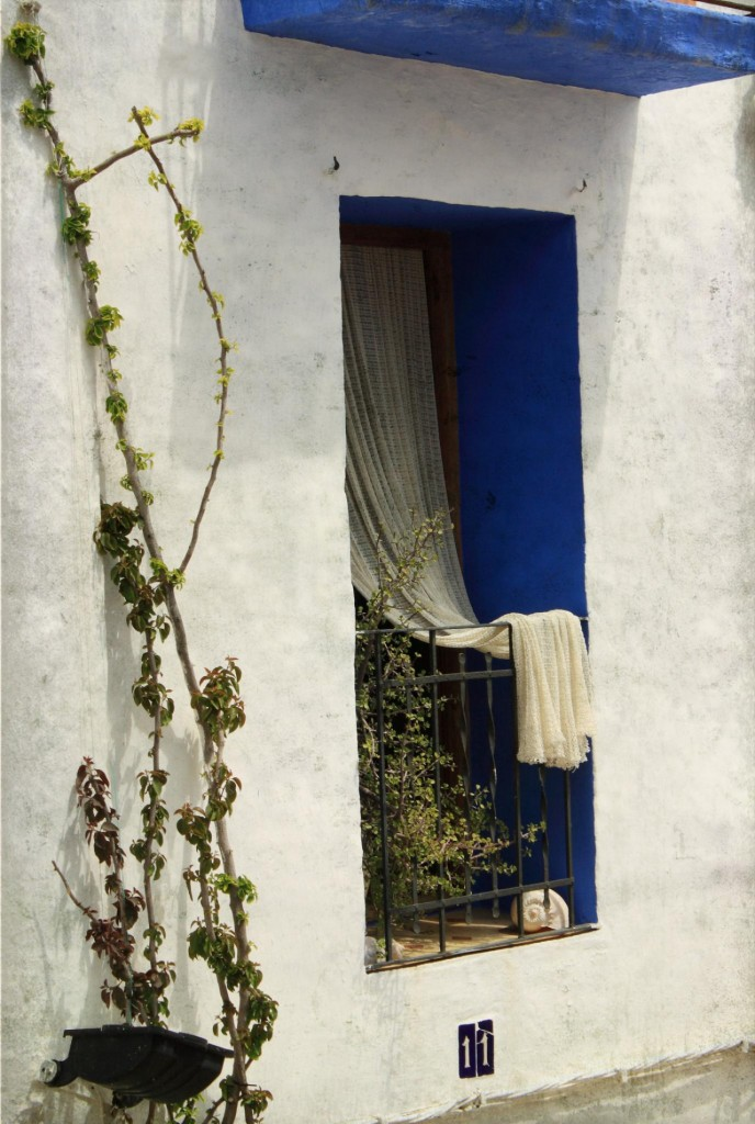 blue balcony 688x1024 35 Worlds Most Beautiful Balconies