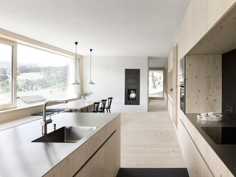 haus fuer julia und bjoern by innauer matt 6 4 Things to Consider When Designing Your Kitchen