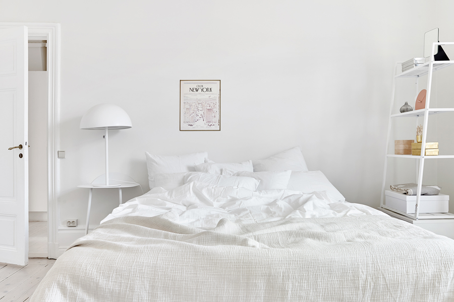 white apartment 82 White and Pink Apartment