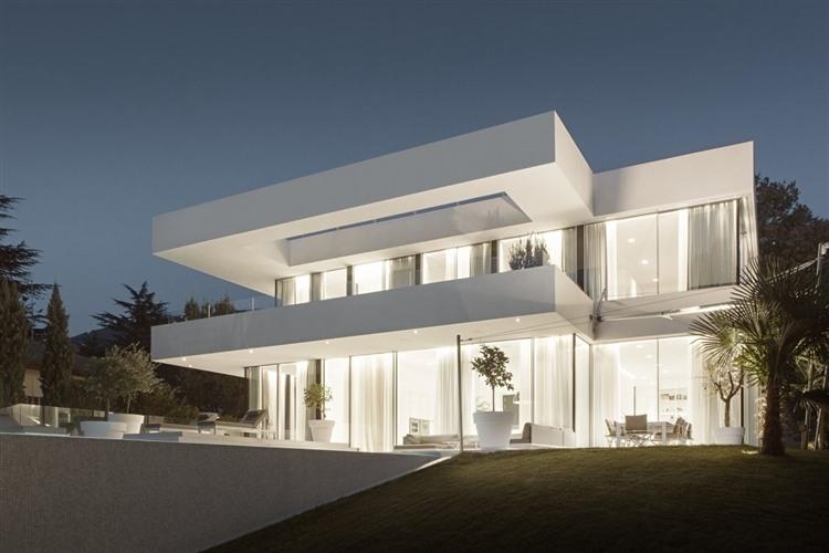 003 house m Modern House by Monovolume
