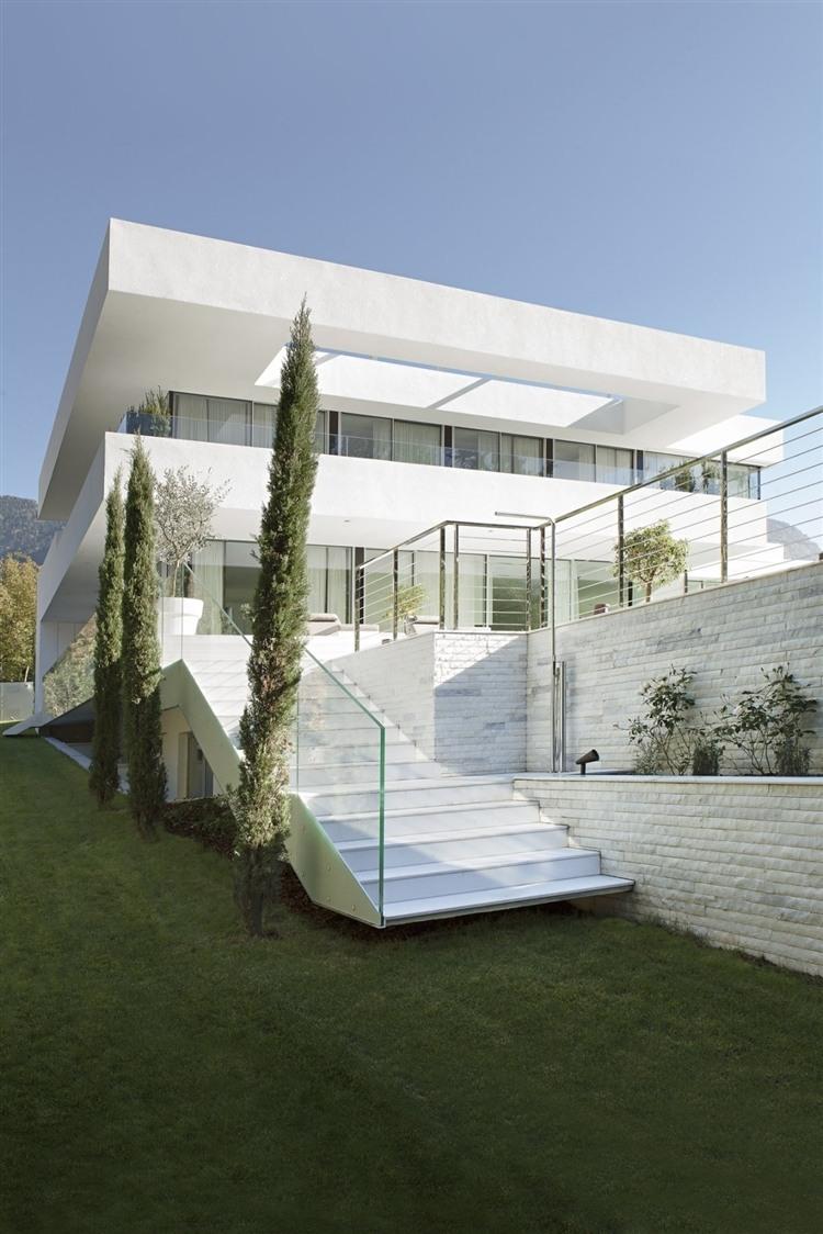 010 house m Modern House by Monovolume