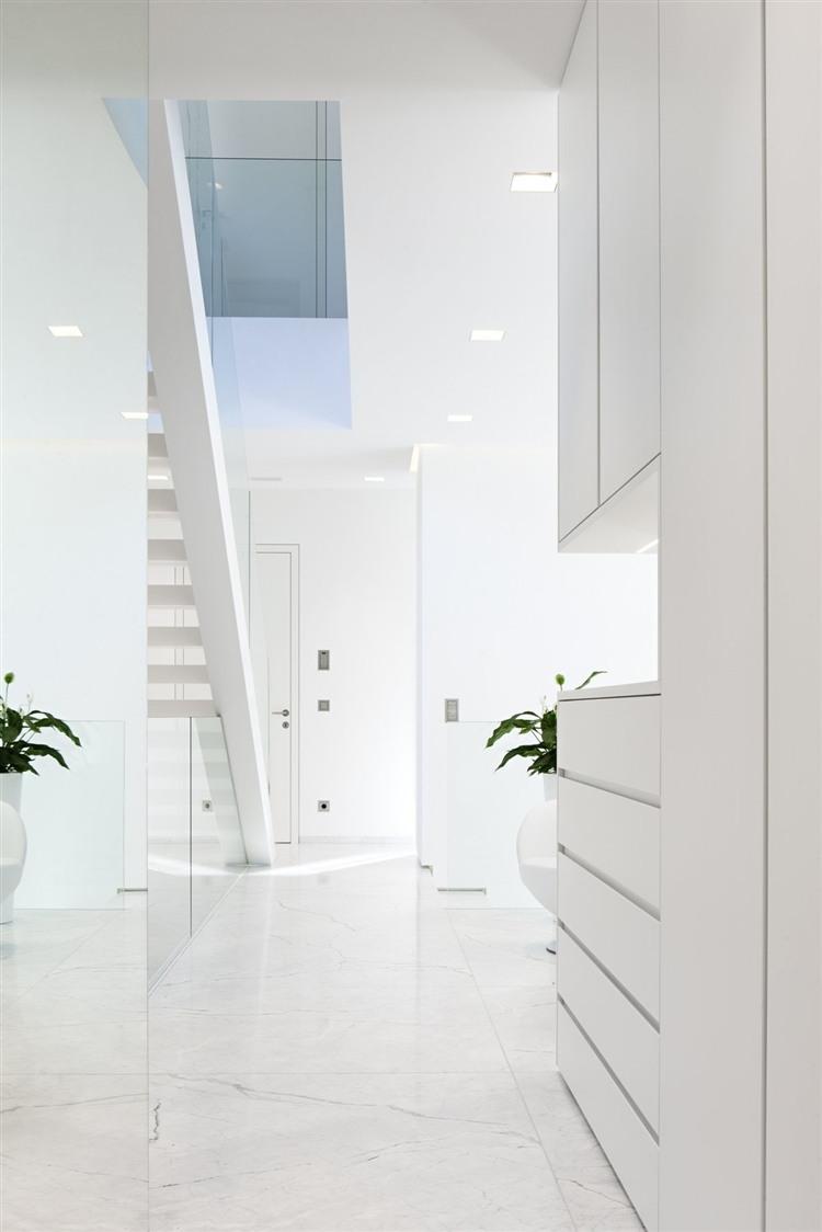 013 house m Modern House by Monovolume