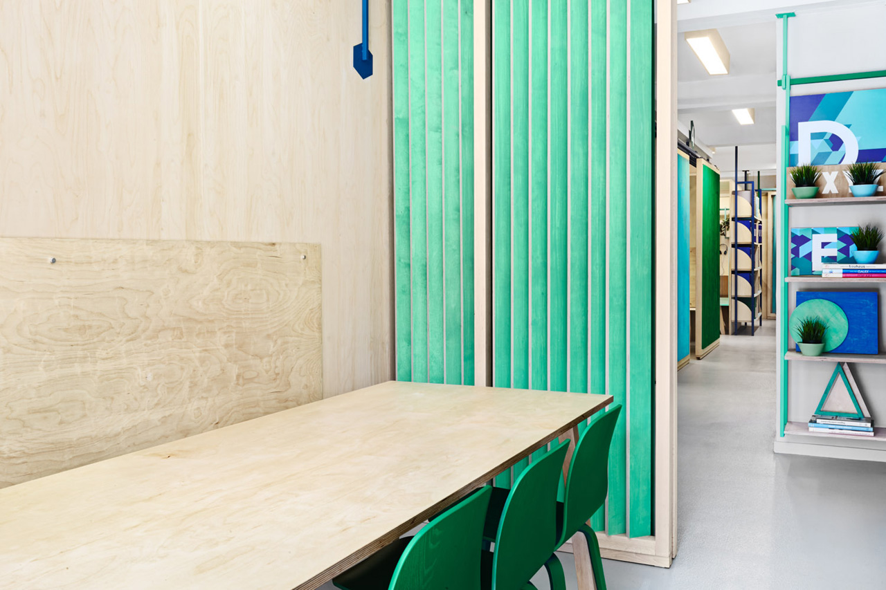 colorful english school in barcelona by masquespacio 5 Colorful English School In Barcelona by Masquespacio