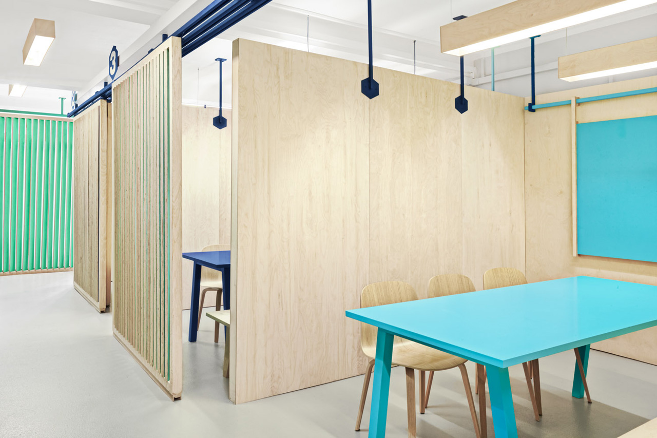 colorful english school in barcelona by masquespacio 6 Colorful English School In Barcelona by Masquespacio