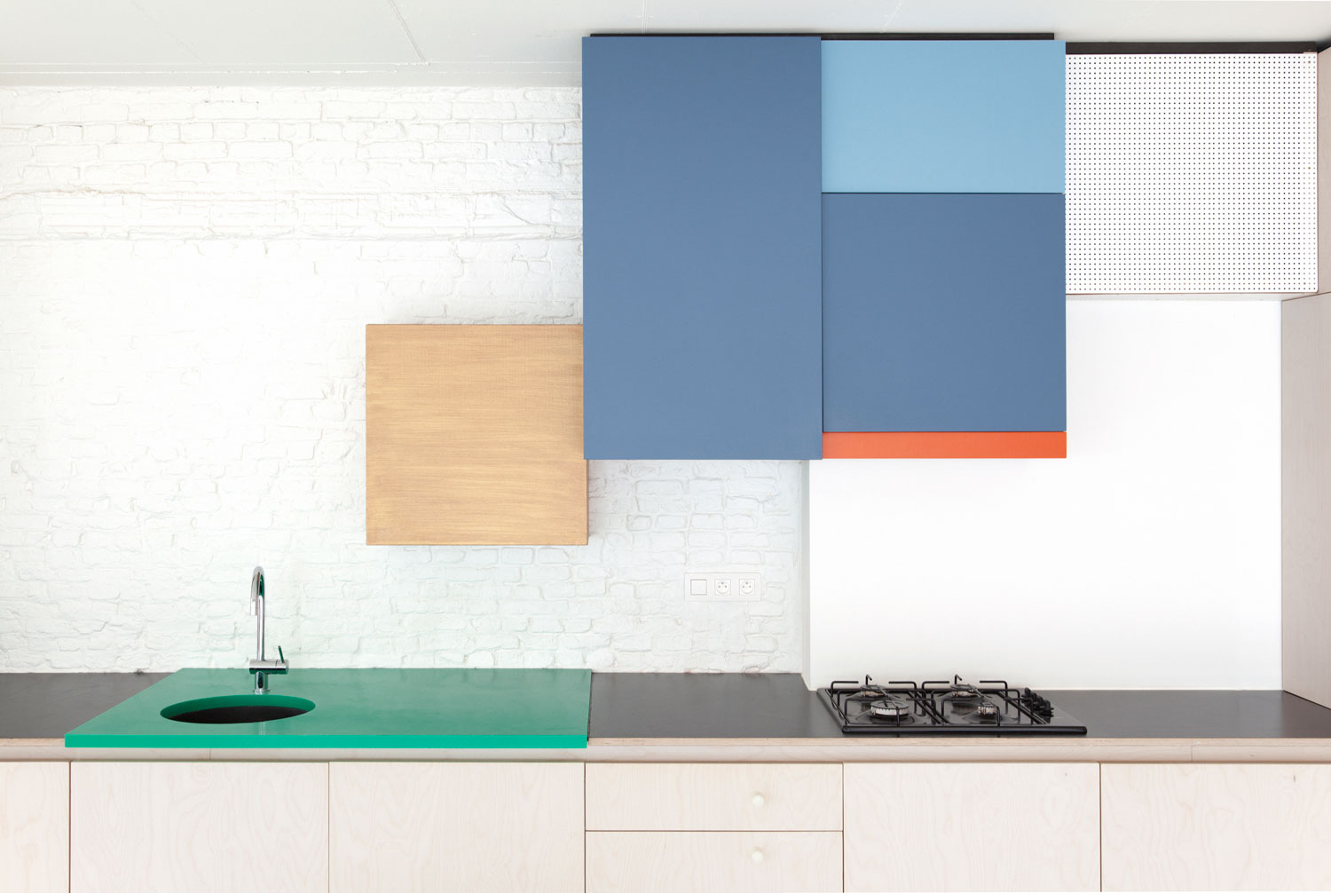 colorful kitchen by belgian designer dries otten 3 Colorful Kitchen By Belgian Designer Dries Otten