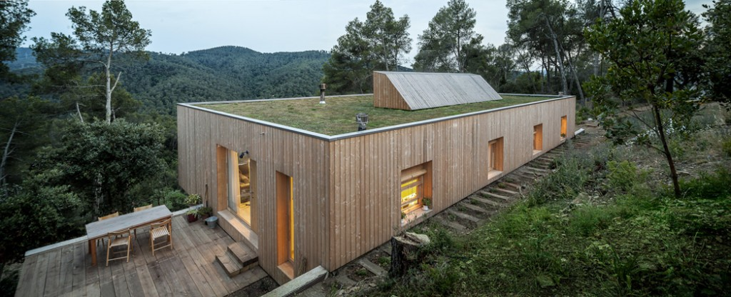 casa llp by alventosa morell arquitectes 1 1024x416 Questions to Ask Your Architect If You Want An Eco Friendly Home
