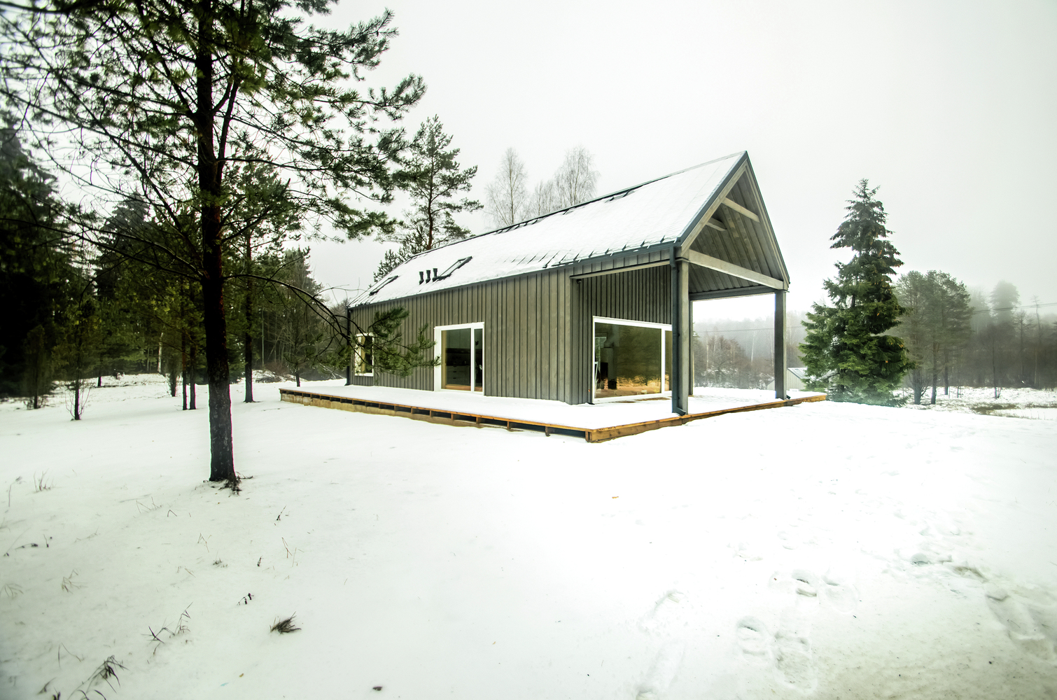 hunting house surrounded by woods in lithuania 7 Hunting House Surrounded By Woods In Lithuania