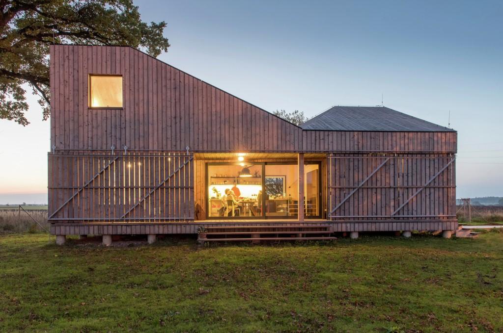 low energy wooden house zilvar in eastern bohemia 1 1024x679 Low Energy Wooden House Zilvar In Eastern Bohemia