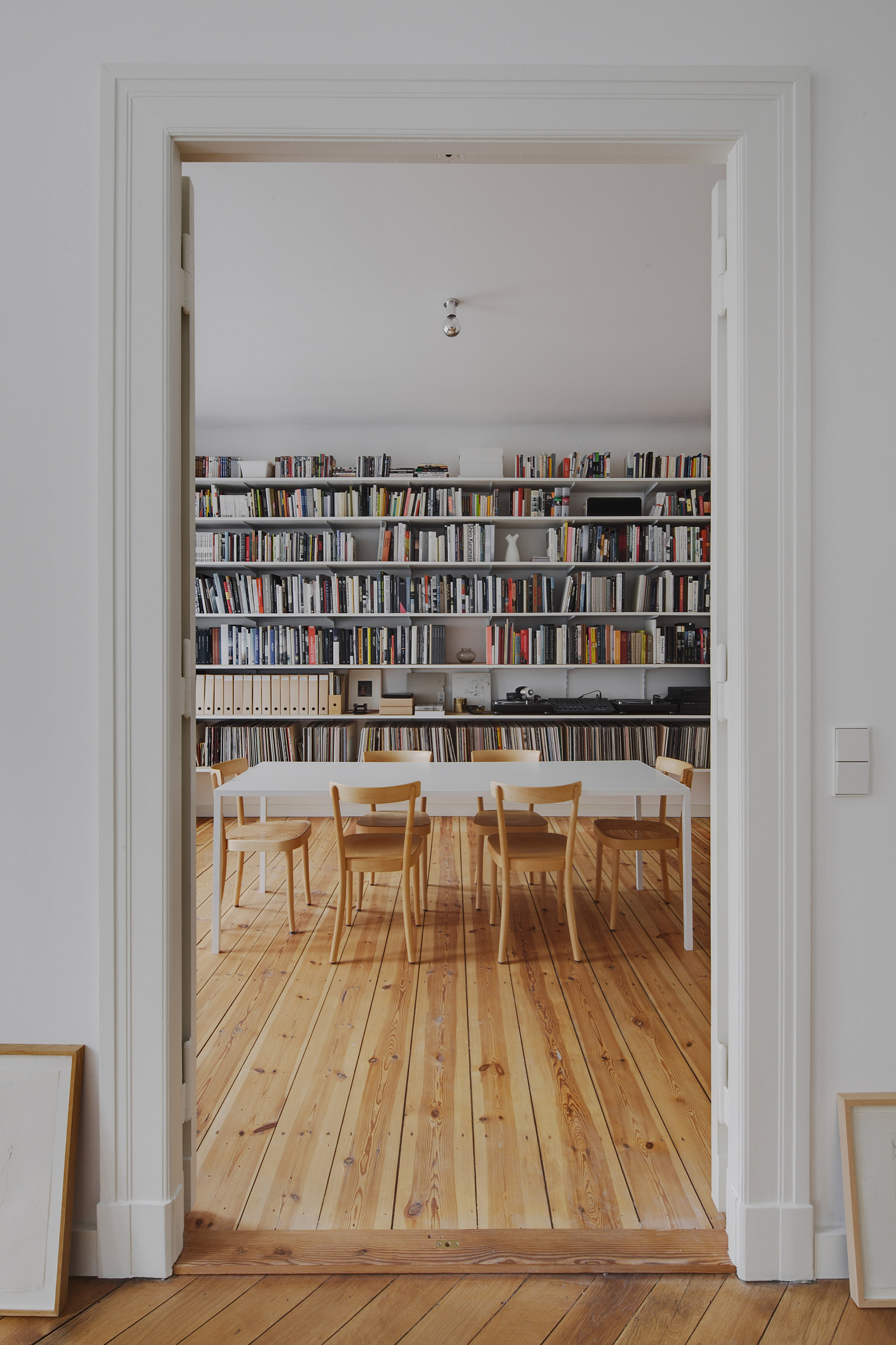 subtle apartment in berlin renovated by atheorem architects 1 Subtle Apartment In Berlin Renovated By Atheorem Architects