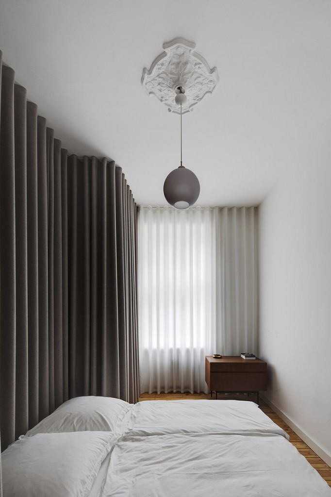subtle apartment in berlin renovated by atheorem architects 6 682x1024 10 Elegant and Functional Minimalist Bedroom Ideas You Can Try Right Now