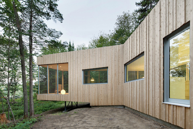 a minimal wooden house reflects the flow of the river 2 A Minimal Wooden House Reflects The Flow Of The River