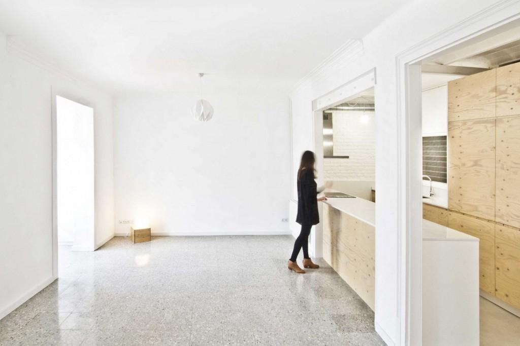 apartment renovation in barcelona 1 1024x683 Minimal Apartment Renovation In Barcelona