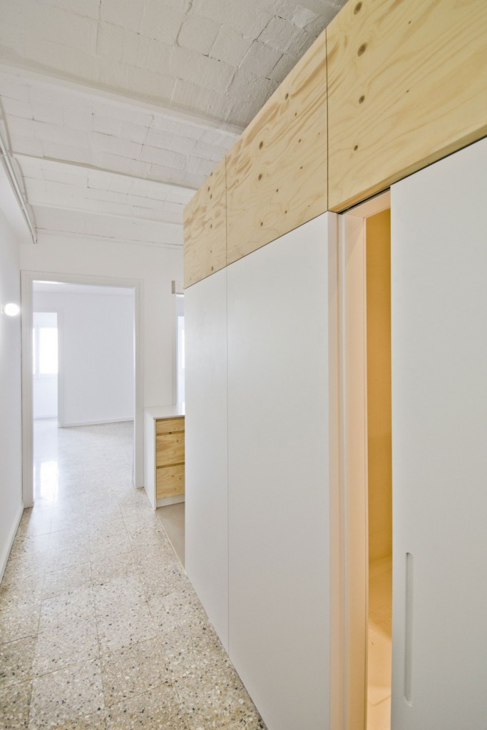 apartment renovation in barcelona 4 683x1024 6 Advantages of Using Partition Walls in Your Home and Office