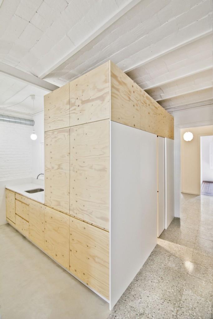 apartment renovation in barcelona 5 683x1024 Minimal Apartment Renovation In Barcelona