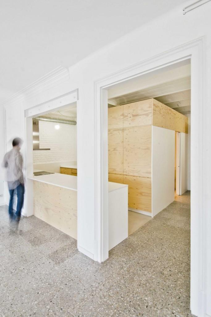 apartment renovation in barcelona 6 683x1024 Minimal Apartment Renovation In Barcelona