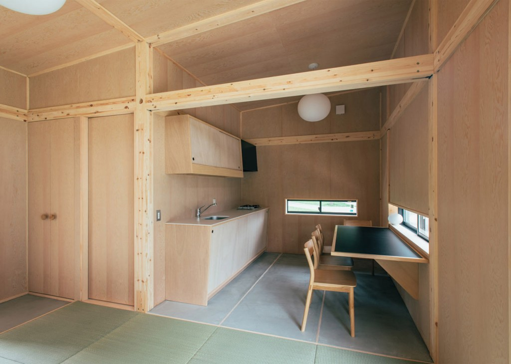 hut by jasper morrison 3 1024x730 Sustainable Prefab Huts By Muji