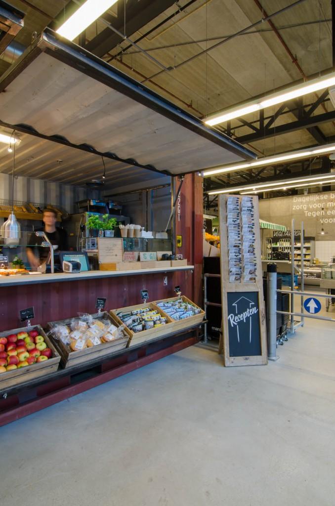 marqtgelderlandplein standardarchitect 29 678x1024 Marqt Supermarket In Amsterdam By Standard Studio