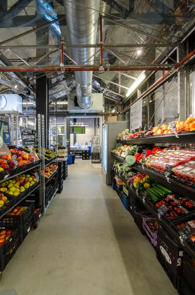 marqtgelderlandplein standardarchitect 36 678x1024 Marqt Supermarket In Amsterdam By Standard Studio