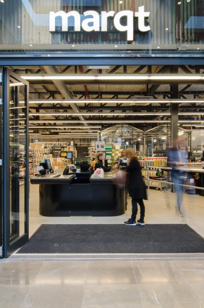 marqtgelderlandplein standardarchitect 56 678x1024 Marqt Supermarket In Amsterdam By Standard Studio