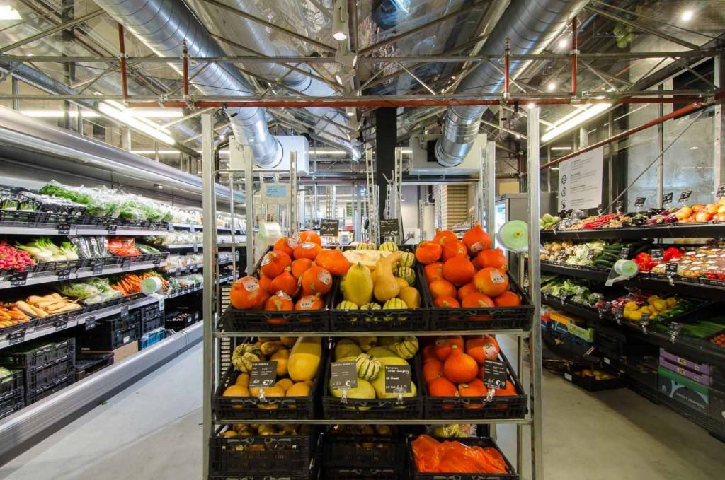 marqtgelderlandplein standardarchitect 8 1024x679 Marqt Supermarket In Amsterdam By Standard Studio