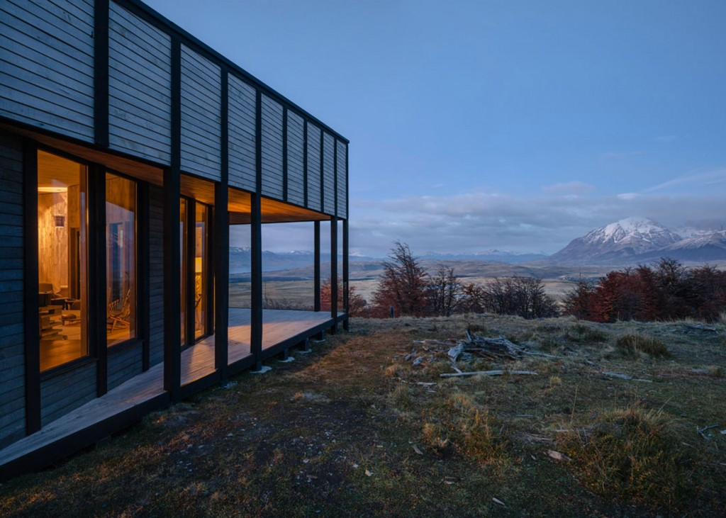timber cabin hotel offers beautiful views over the chilean hillside 15 1024x731 Timber Cabin Hotel Offers Beautiful Views Over The Chilean Hillside