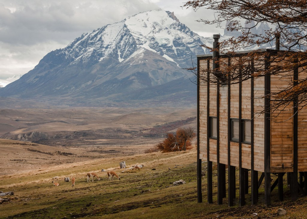 timber cabin hotel offers beautiful views over the chilean hillside 22 1024x731 Timber Cabin Hotel Offers Beautiful Views Over The Chilean Hillside