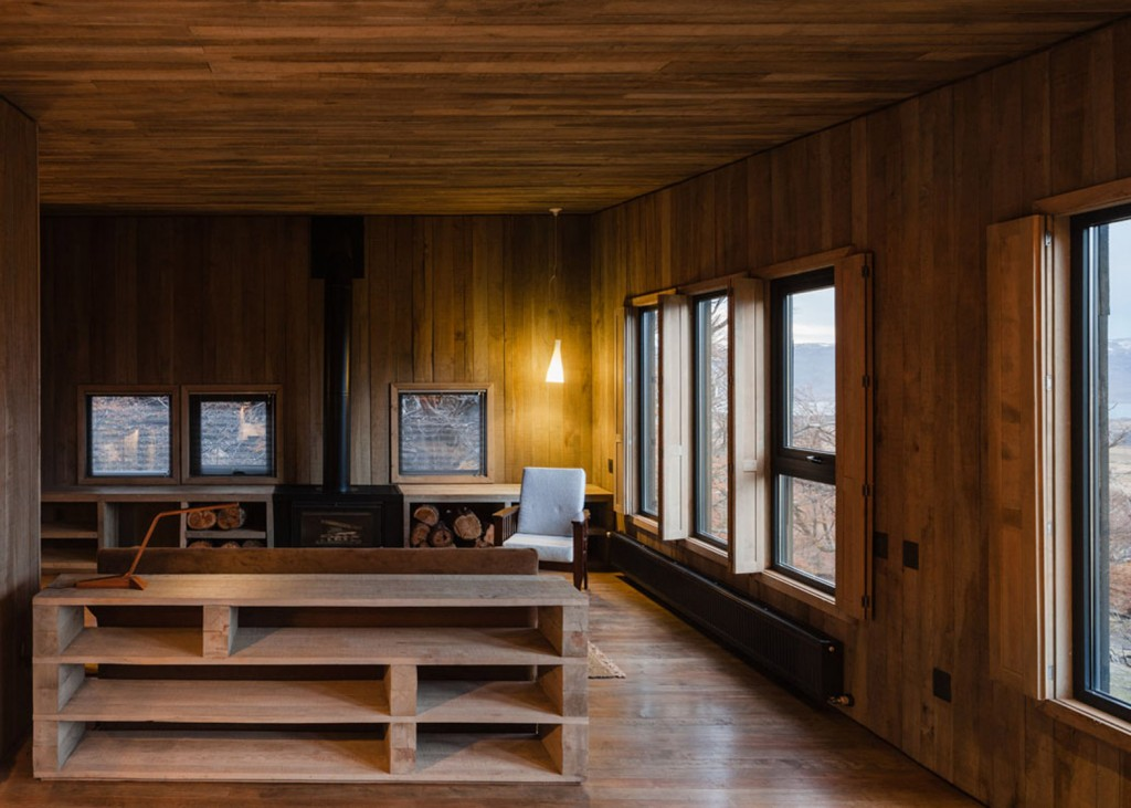timber cabin hotel offers beautiful views over the chilean hillside 26 1024x731 Timber Cabin Hotel Offers Beautiful Views Over The Chilean Hillside
