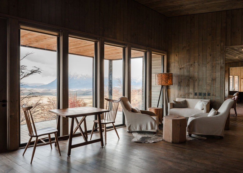 timber cabin hotel offers beautiful views over the chilean hillside 27 1024x731 Timber Cabin Hotel Offers Beautiful Views Over The Chilean Hillside