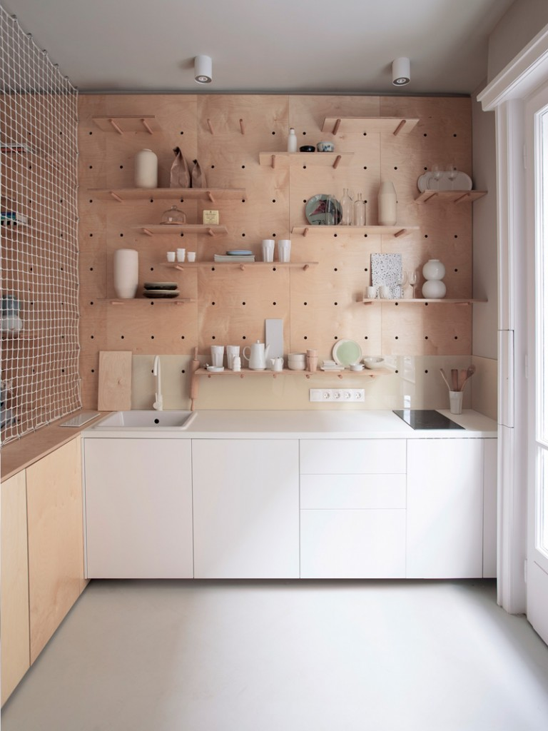 a 30m2 studio apartment in budapest accommodates everything you need for a weekend trip 5 768x1024 a 30m2 Studio Apartment In Budapest Accommodates Everything You Need For a Weekend Trip