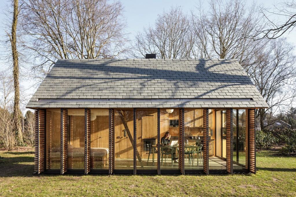 compact recreation house by zecc architecten 3 1024x683 Compact Recreation House By Zecc Architecten