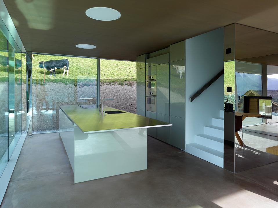 house in the swiss alps by savioz fabrizzi architects 11 Low energy Consumption House In Swiss Alps By Savioz Fabrizzi Architects