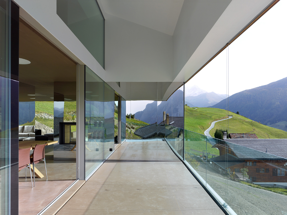 house in the swiss alps by savioz fabrizzi architects 12 Low energy Consumption House In Swiss Alps By Savioz Fabrizzi Architects