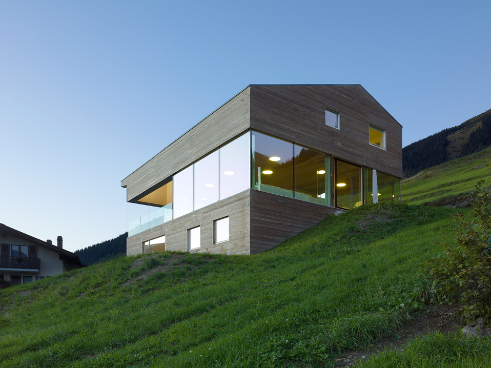 house in the swiss alps by savioz fabrizzi architects 5 Low energy Consumption House In Swiss Alps By Savioz Fabrizzi Architects