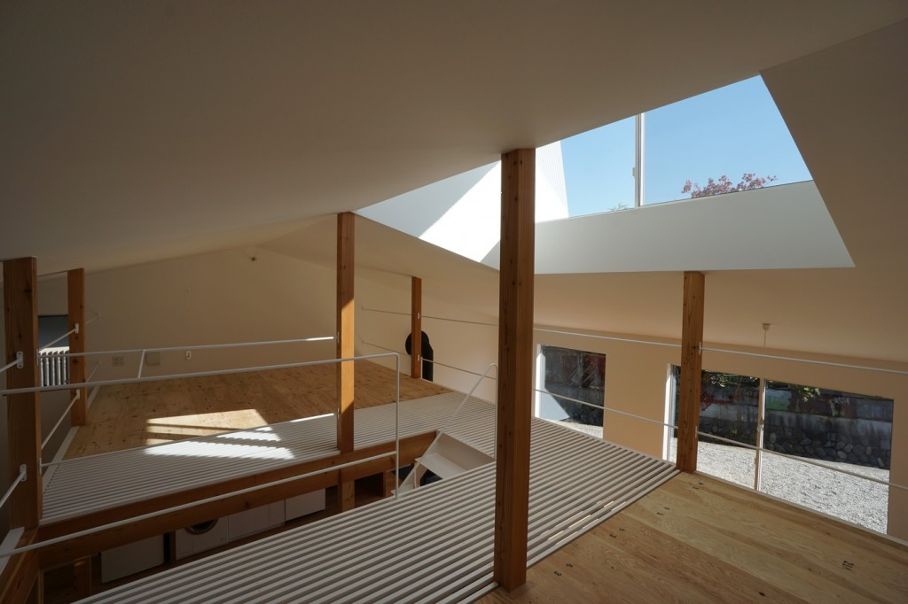 minimal house in japan with a huge dormer 7 1024x682 Minimal House In Japan With A Huge Dormer