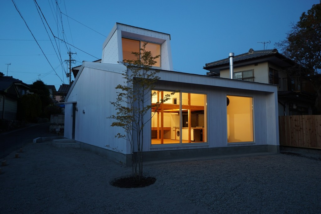 Minimal House In Japan With A Huge Dormer