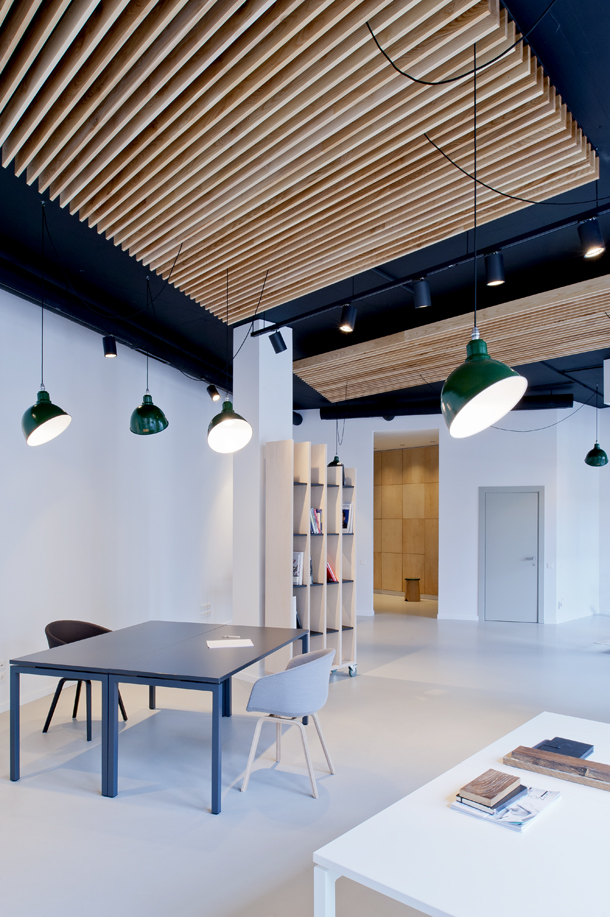 Minimal Office Interior By Mix & Match