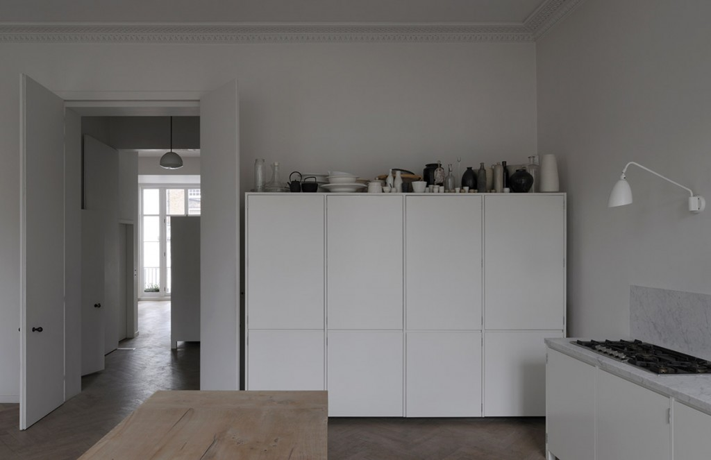 piano nobile apartment inspired by vilhelm hammershois paintings 2 1024x663 Piano Nobile Apartment Inspired By Vilhelm Hammershois Paintings