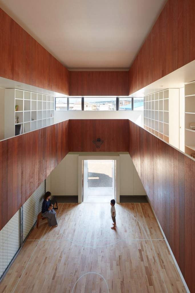 a house in japan has an indoor basketball court 15 683x1024 A House In Japan Has An Indoor Basketball Court