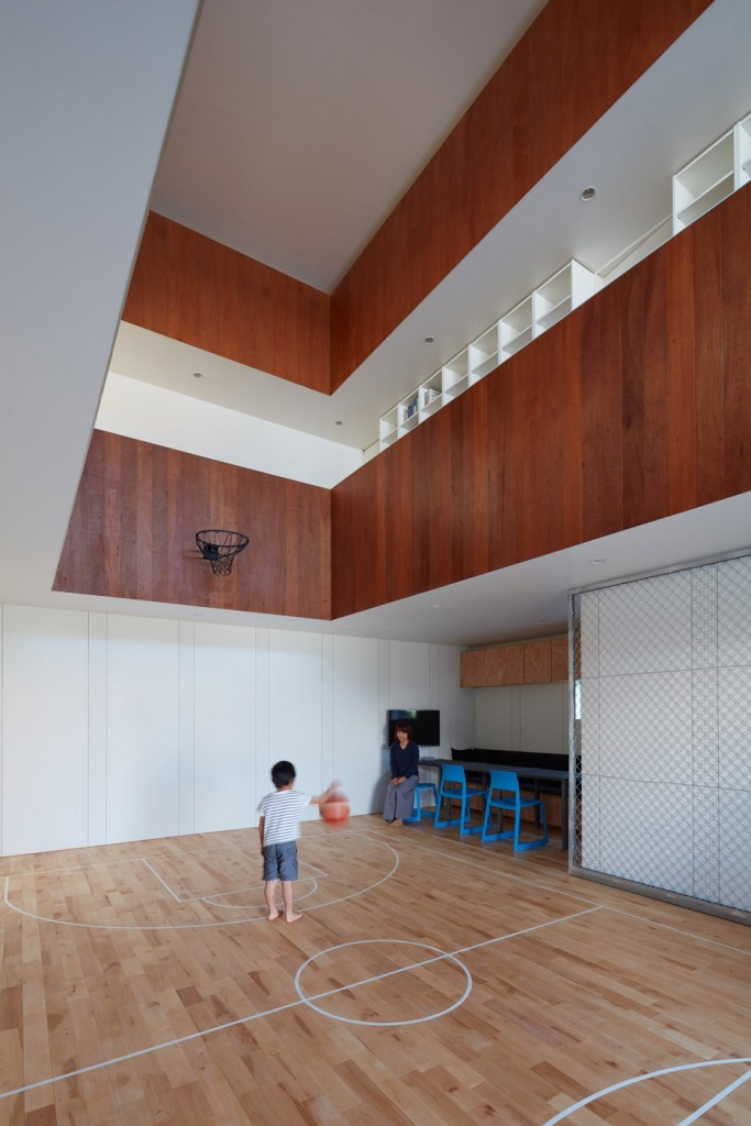 a house in japan has an indoor basketball court 17 683x1024 The Unsurpassed Additions to Your Home You Need to Try